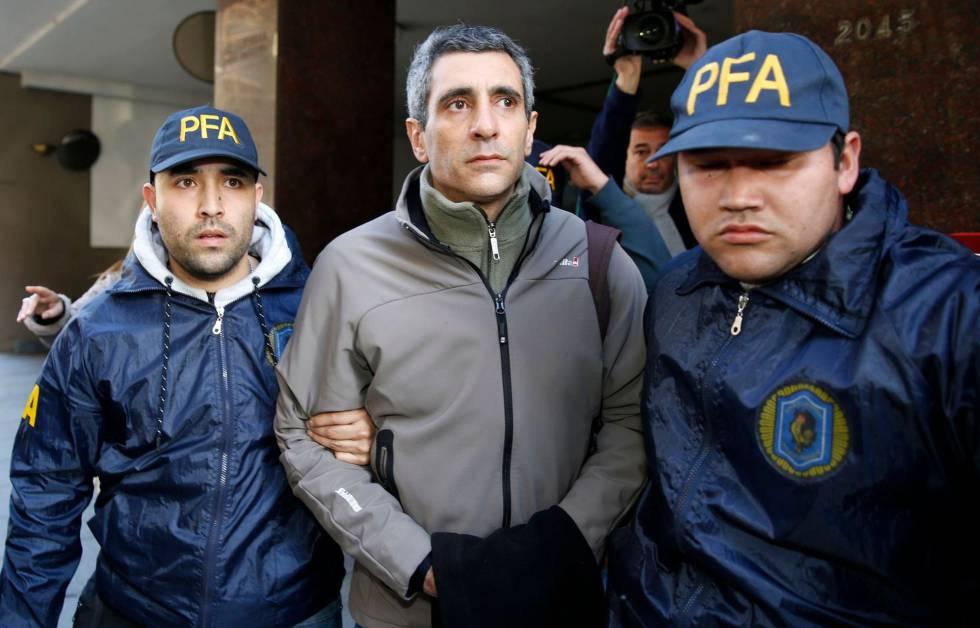 El exviceministro de Planificación, Roberto Baratta, detenido por la policía en la causa de los