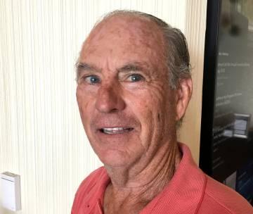 Jeffrey Fuller, cuyo padre Vern murió en la guerra de Corea pero nunca se ha localizado su cuerpo, el pasado 9 de agosto en Arlington