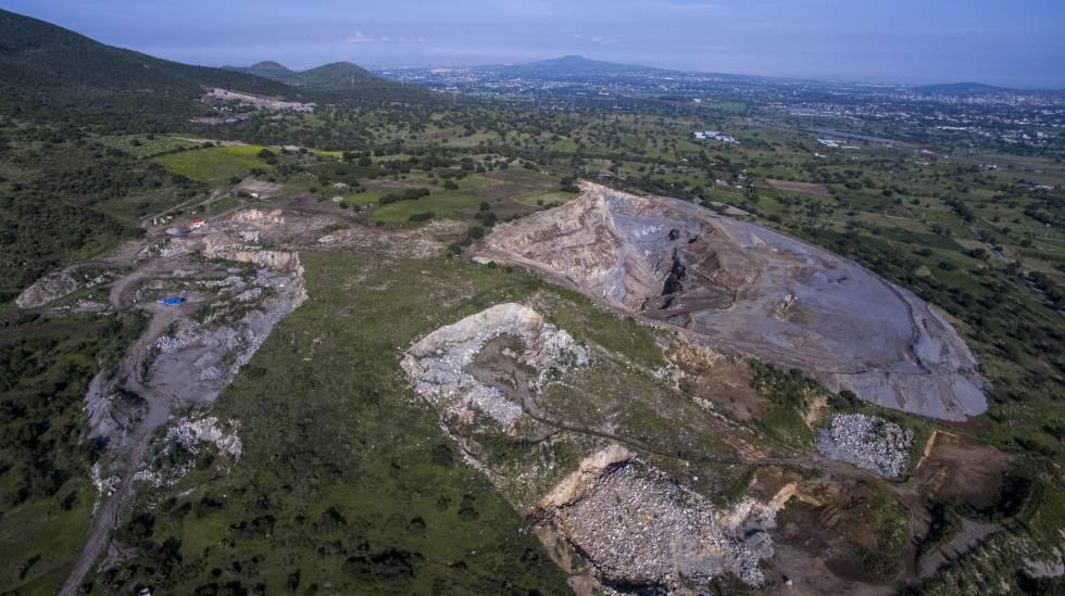 La mina a cielo abierto que ha desgastado el cerro Patlachique.
