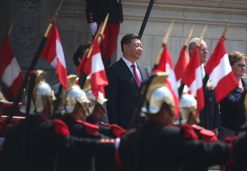 El presidente chino Xi Jinping junto al presidente peruano Pedro Pablo Kuczynski en la visita oficial a Lima celebrada en 2016.