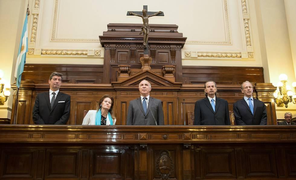 Ricardo Lorenzetti: El presidente de la Corte Suprema argentina, postulado  por Néstor Kirchner, deja su cargo | Argentina | EL PAÍS