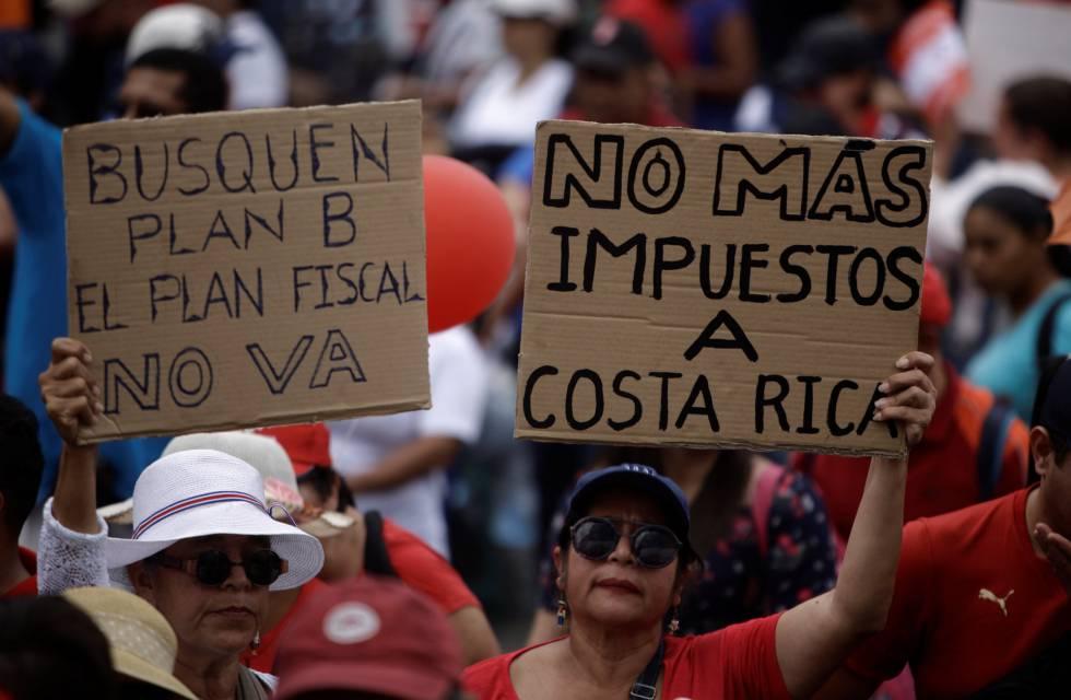 Crece la tensión en Costa Rica por una huelga contra el plan fiscal del  Gobierno   Internacional   EL PAÍS