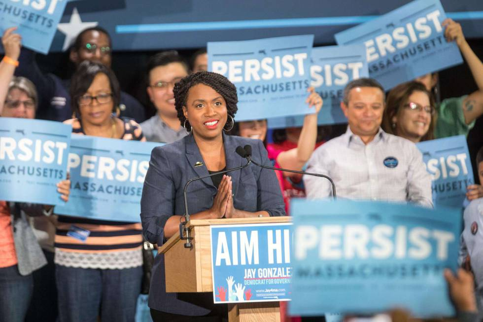 Ayanna Pressley, el pasado domingo en un mitin en Cambridge (Massachusetts).
