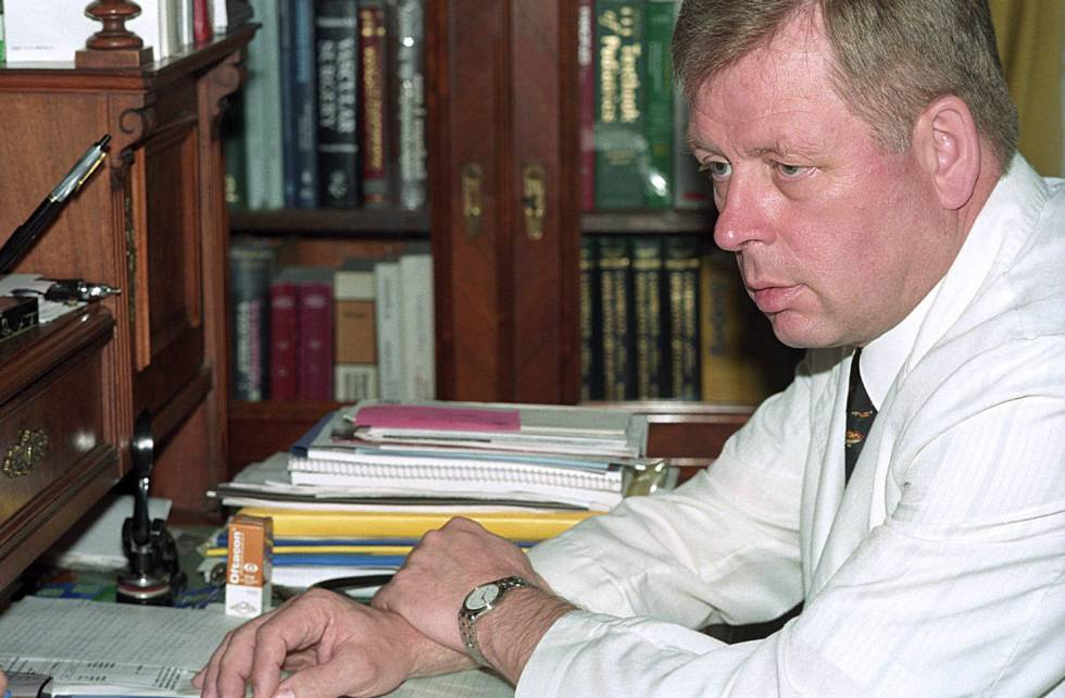 El exmédico de Colonia Dignidad Harmut Hopp, en la Comuna Parral de Chile, en 2000.