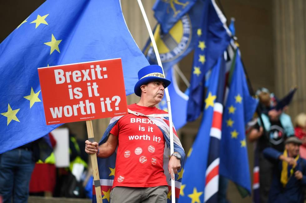 Un manifestante contrario al Brexit, este domingo en Liverpool.