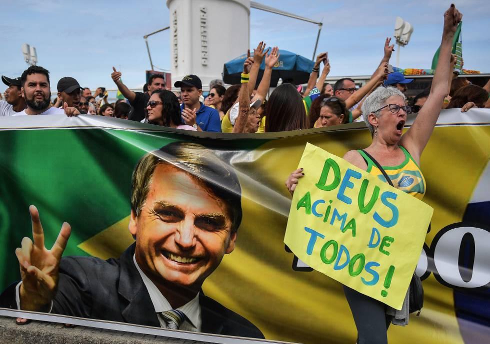 Simpatizantes de Bolsonaro en una marcha de apoyo en Río de Janeiro el fin de semana pasado.rn