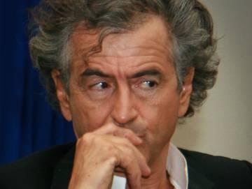 Intelectuais e artistas da América e da Europa fazem alerta contra Bolsonaro em manifesto
