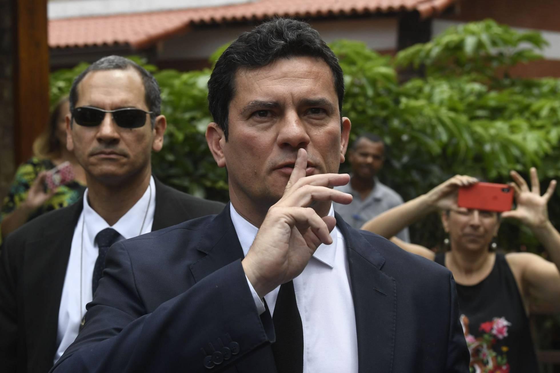 El juez Moro del 'caso Lava Jato' acepta ser ministro de Justicia de Bolsonaro
