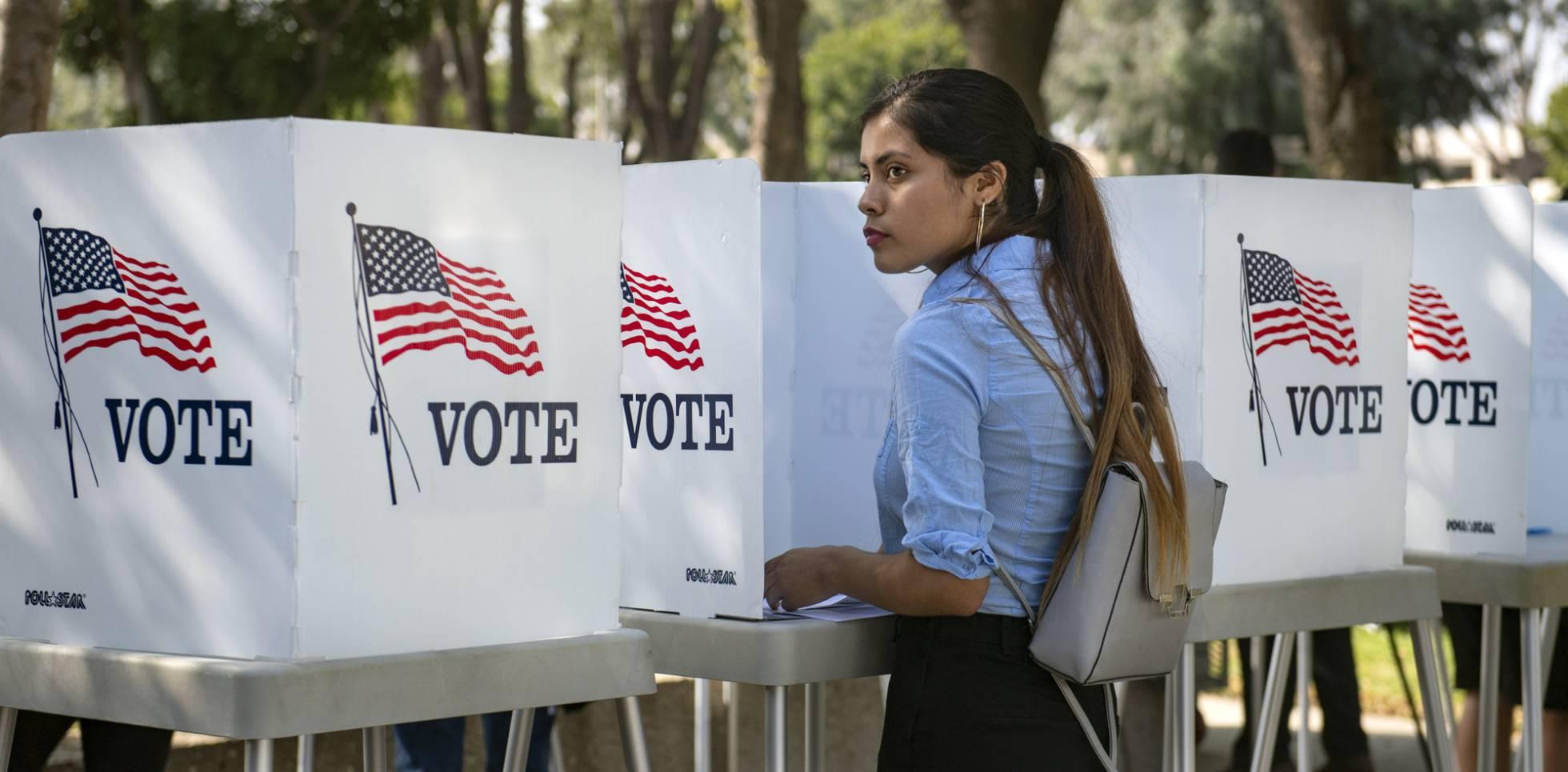 Los demócratas alientan el voto joven para derrotar a Trump