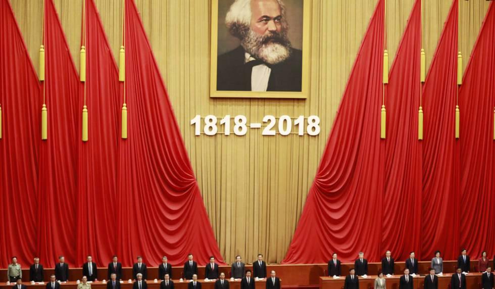 Miembros del Partido Comunista de China celebran el aniversario del nacimiento de Karl Marx, el pasado mayo.