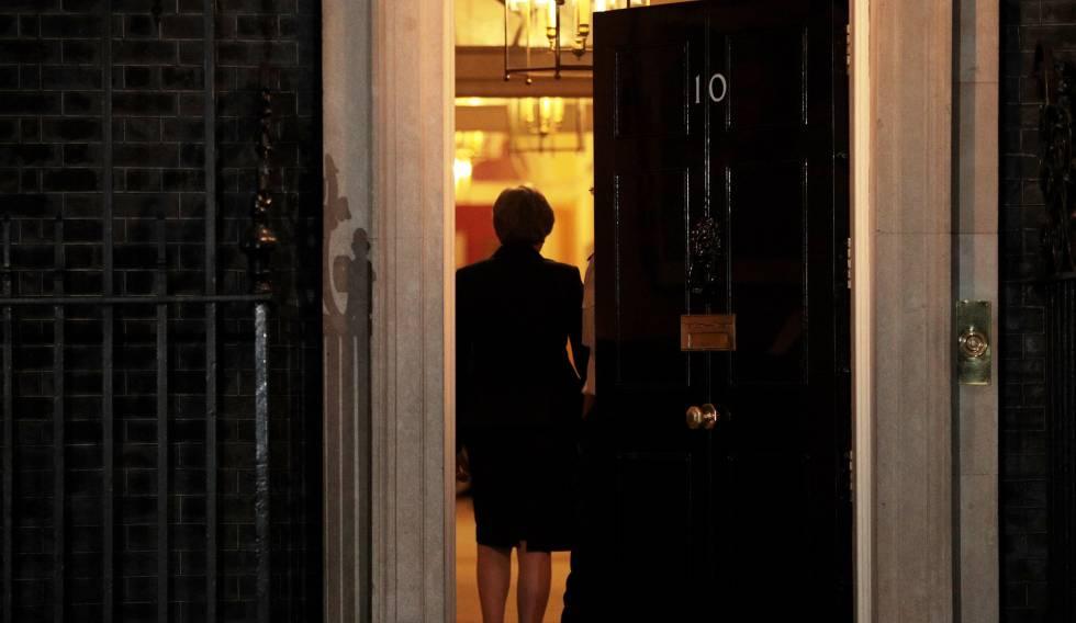 Theresa May tras la reunión del Gabinete el miércoles.rn