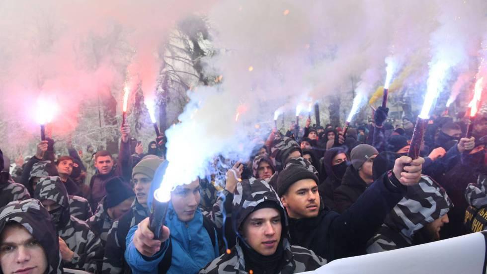 Ucrania aprueba la ley marcial tras el choque naval con Rusia