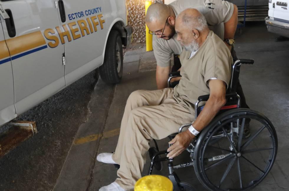 Samuel Little, durante un traslado del juzgado en Odessa, Texas, el pasado 26 de noviembre.