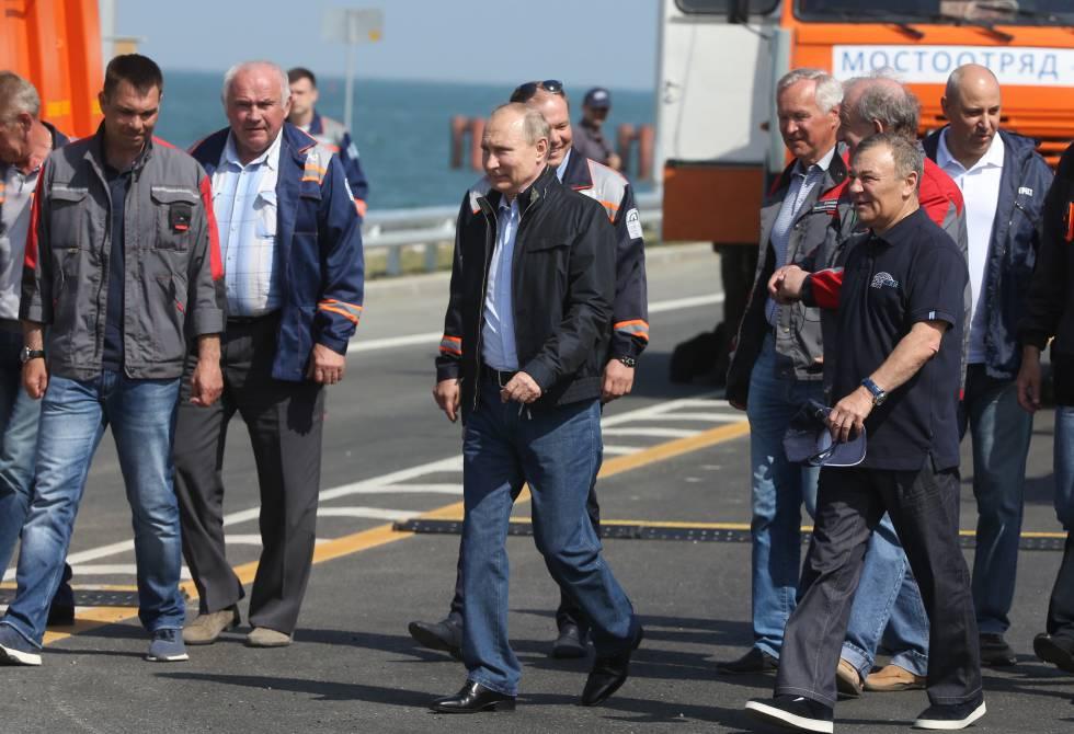 Putin en la ceremonia de inauguración del puente de Kerch, que une Crimea con el territorio ruso.