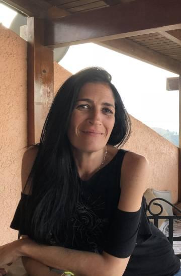 Mariana Silva, el viernes en la terraza de la casa que alquila.