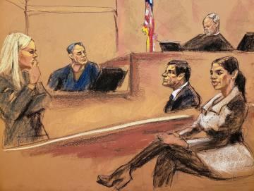 El Chapo su esposa Emma Coronel, durante una vista