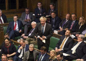 El euroescéptico Boris Johnson se dirige a la Cámara de los Comunes este martes.