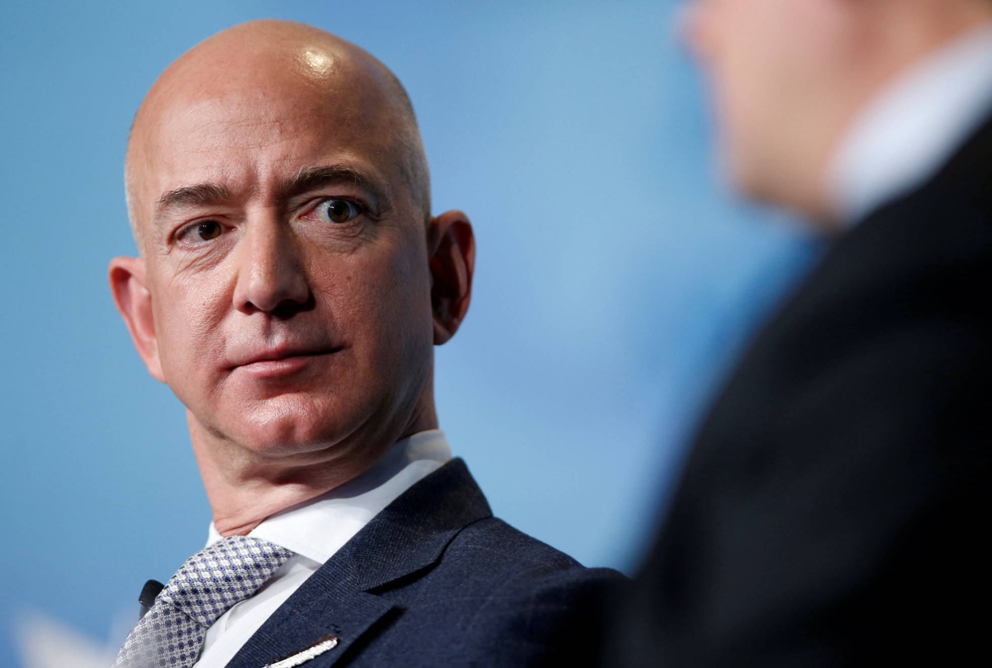 Jeff Bezos acusa de intento de extorsión a David Pecker, editor del 'National Enquirer' y amigo de Trump