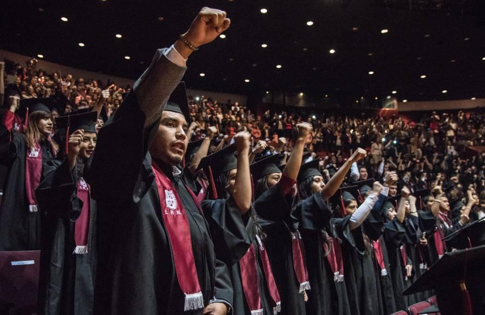 Estudiantes del Instituto Politécnico Nacional de México.