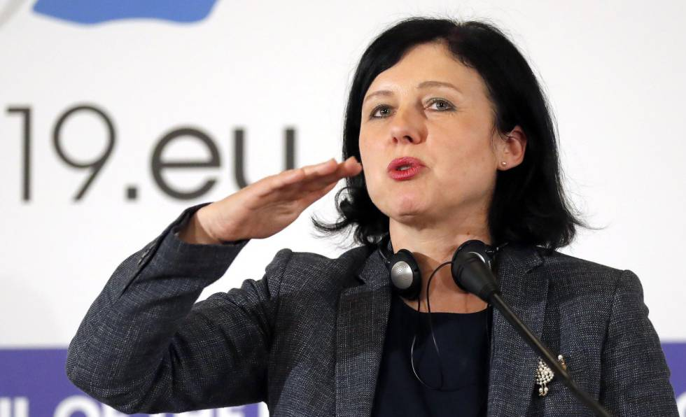 La comisaria europea Vera Jourová.rn