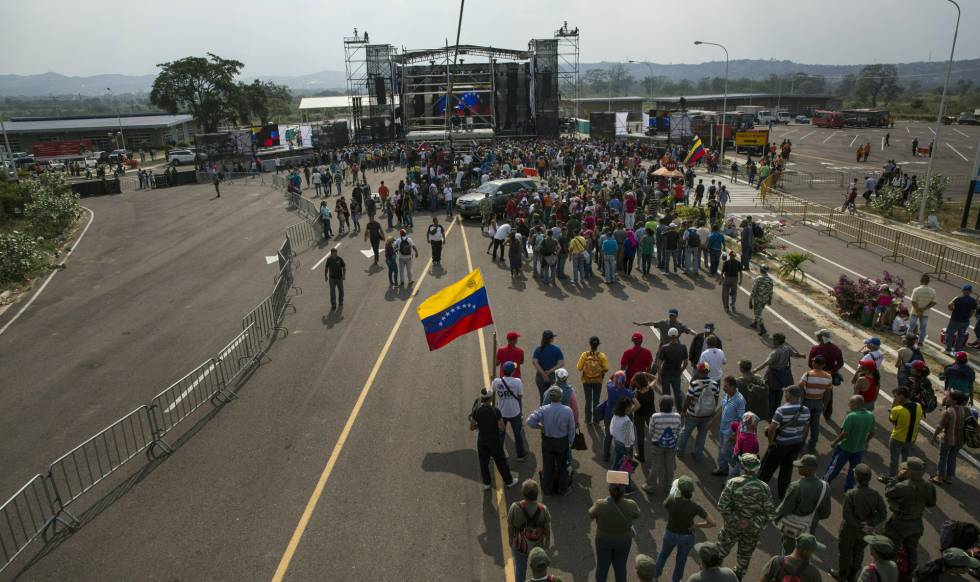 Seguidores del Gobierno venezolano en el concierto celebrado Ureña.