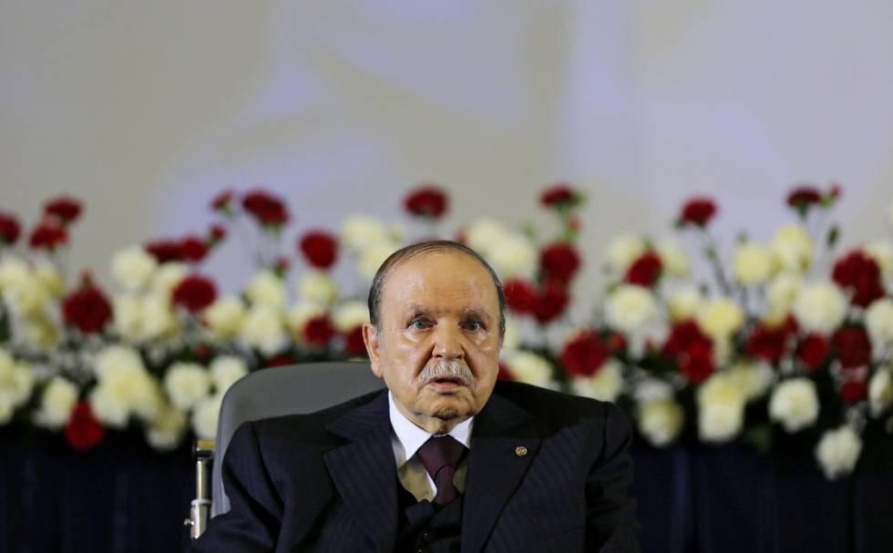 Abdelaziz Buteflika jura el cargo como presidente, al inicio de su cuarto mandato, en abril de 2014.