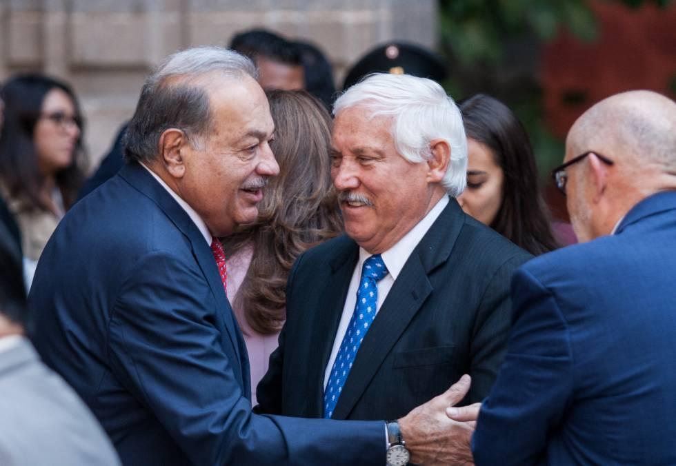Slim (izquierda), en el balance de los 100 días de Gobierno de López Obrador.