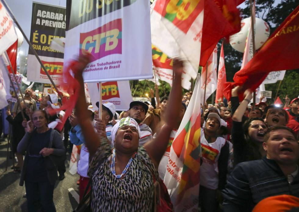 Una manifestación contra la reforma de las pensiones en São Paulo el 22 de marzo.