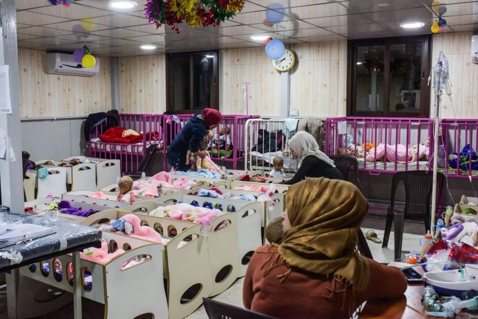 Hijos recién nacidos de combatientes yihadistas, en un hospital kurdo en el norte de Siria.