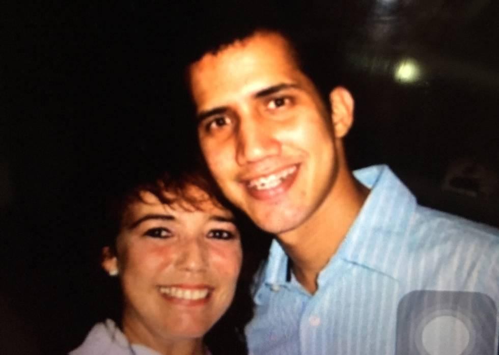 Juan Guaidó con su maestra Marcy Escalona.