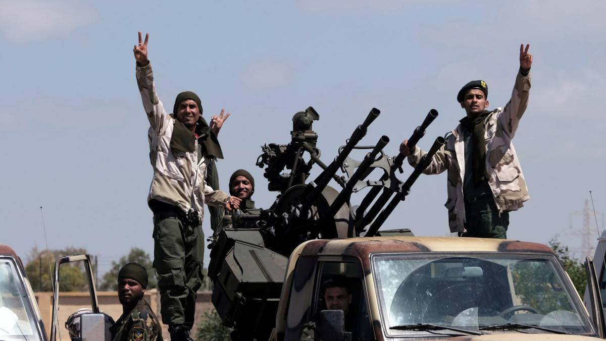 Uniformados del ejército del general rebelde Haftar.