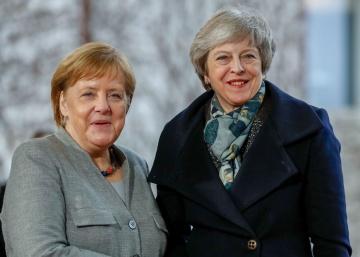 La canciller alemana, Angela Merkel, y la primera ministra británica, Theresa May, en diciembre de 2018 en Berlín.