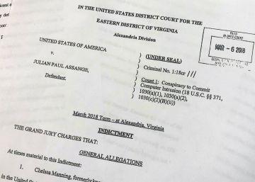 Cargos del Gran Jurado contra Julian Assange.