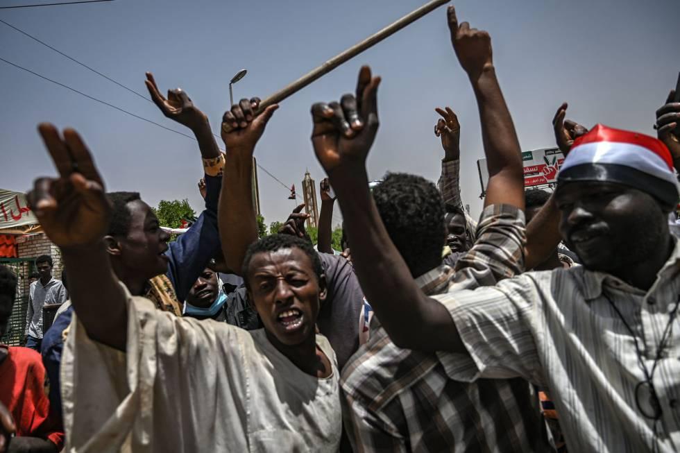 Manifestación en Jartum el 18 de abril.
