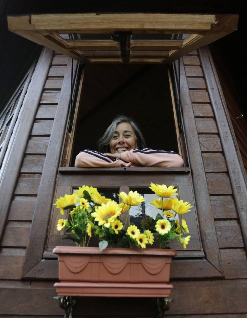 La profesora jubilada Monica Tavares de 62 años, que se mudó a la ciudad para tener más calidad de vida.