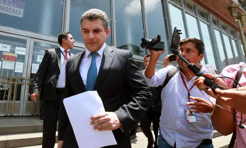 """Rafael Vela: """"No nos enfrentamos solo al poder del dinero, sino también a la clase política peruana"""""""