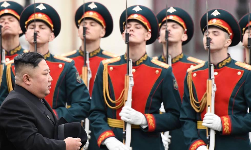 El líder norcoreano, Kim Jong Un, en su llegada a Vladivostok, Rusia donde se reunirá con el presidente ruso Vladímir Putin.
