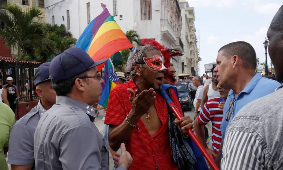 Una pelea cubana contra el demonio:Miedo, fiesta y represión