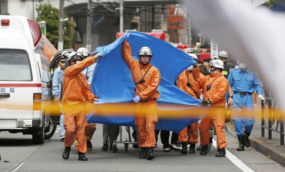 Un equipo de rescate, en el lugar del ataque.