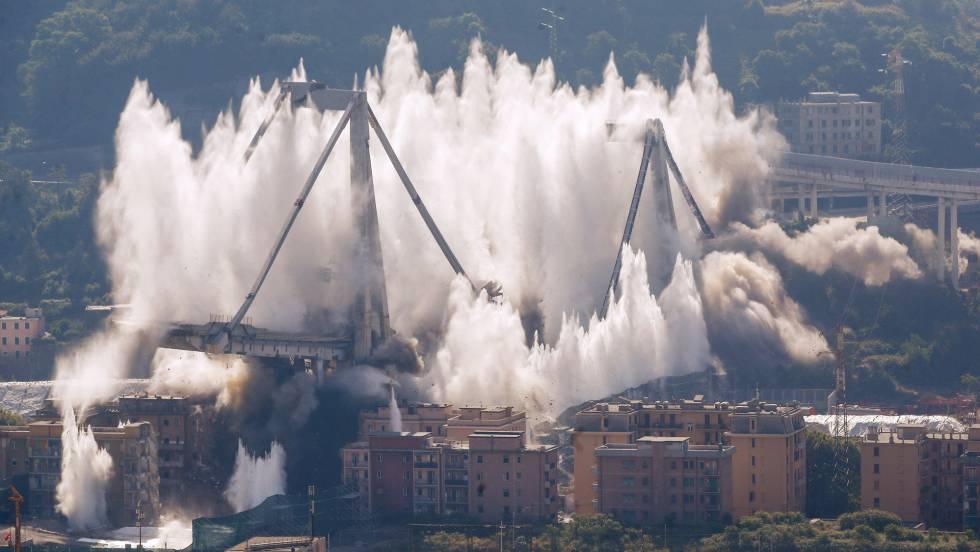 Una serie de explosiones controladas demuele el resto del puente de Génova tras el derrumbe que causó 43 muertos