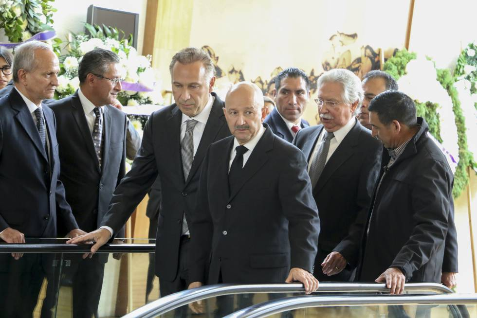 El abogado Juan Collado junto al expresidente de México, Carlos Salinas de Gortari.
