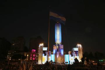 Mitin de cierre de campaña del kirchnerismo en el  Monumento a la Bandera, en Rosario.