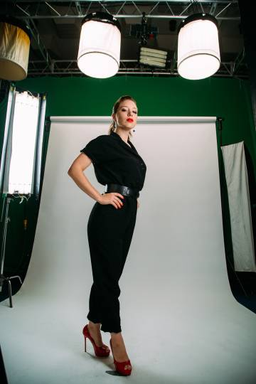 La periodista Irina Shíjman lidera el canal de YouTube 'Y hablar'.