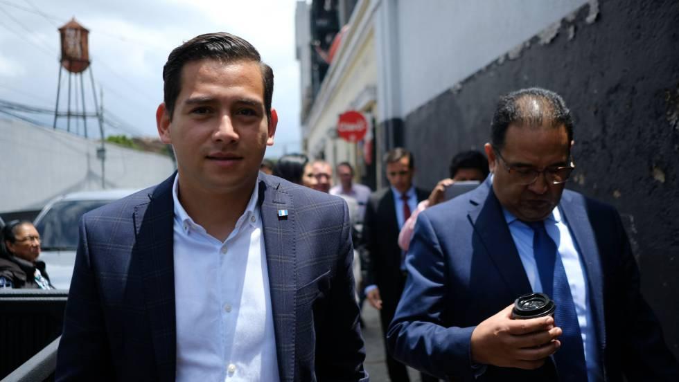 Guatemala absuelve al hijo y al hermano del presidente acusados de emitir facturas falsas
