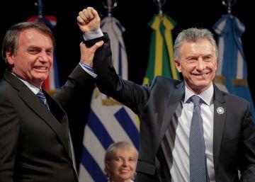 A última obsessão de Bolsonaro é dinamitar as eleições na Argentina