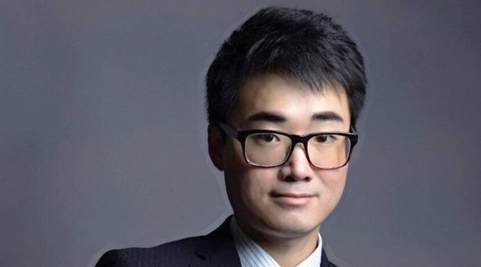 El empleado del consulado británico que fue detenido en China regresa a Hong Kong