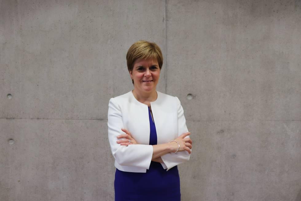 La ministra principal de Escocia, Nicola Sturgeon, este miércoles en su despacho del Parlamento Escocés en Edimburgo