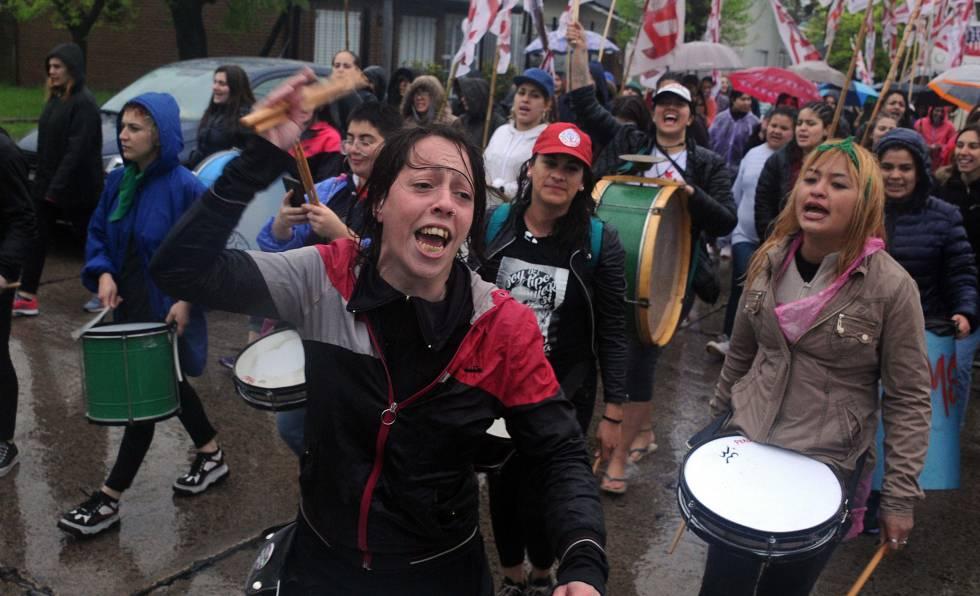 Resultado de imagen de un dia sin mujeres argentina