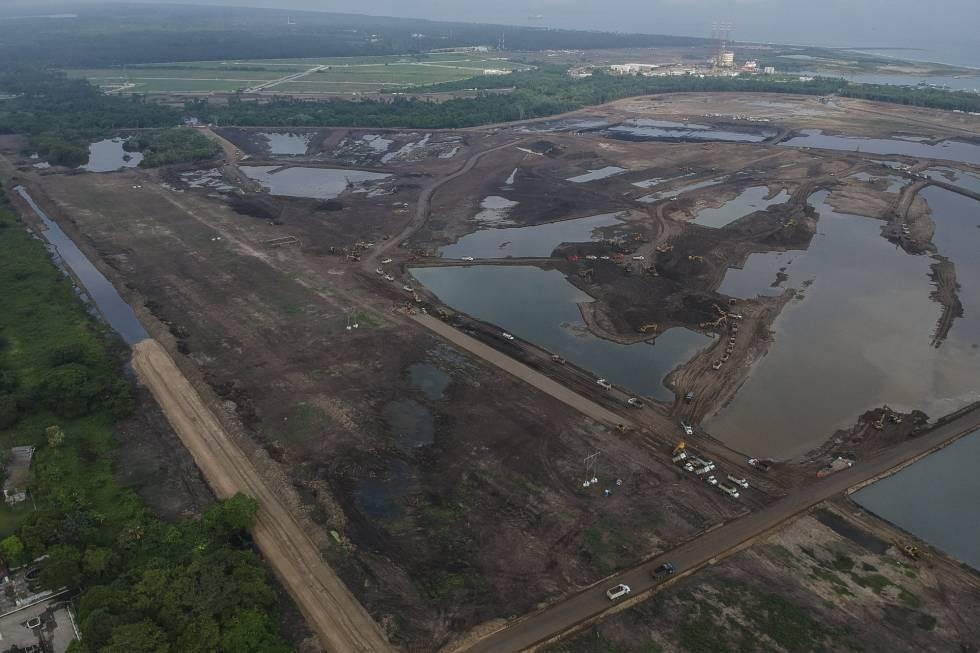 La construcción de la refinería de Dos Bocas (Tabasco).