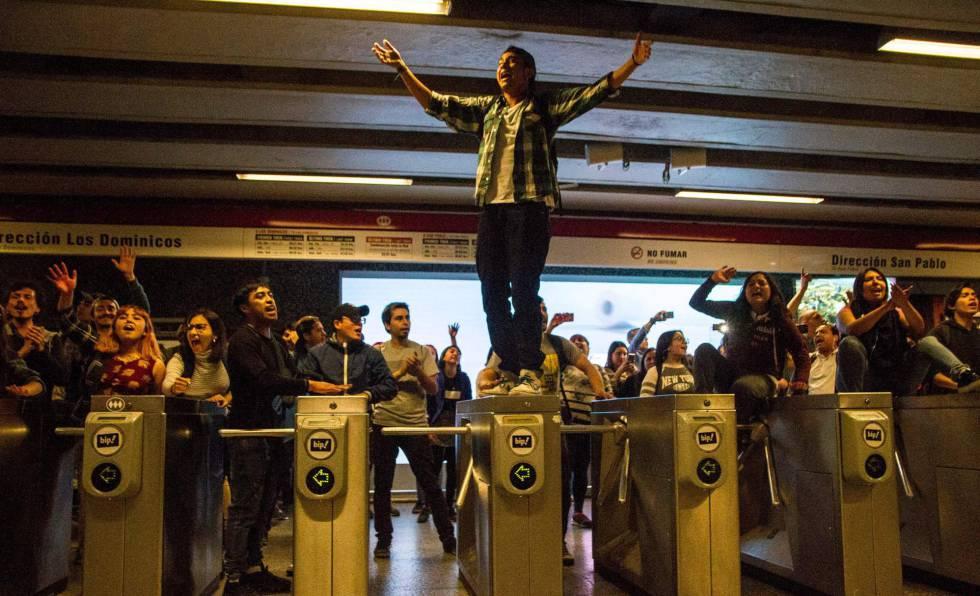 Una protesta en el metro este viernes.
